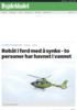 Robåt i ferd med å synke - to personer har havnet i vannet